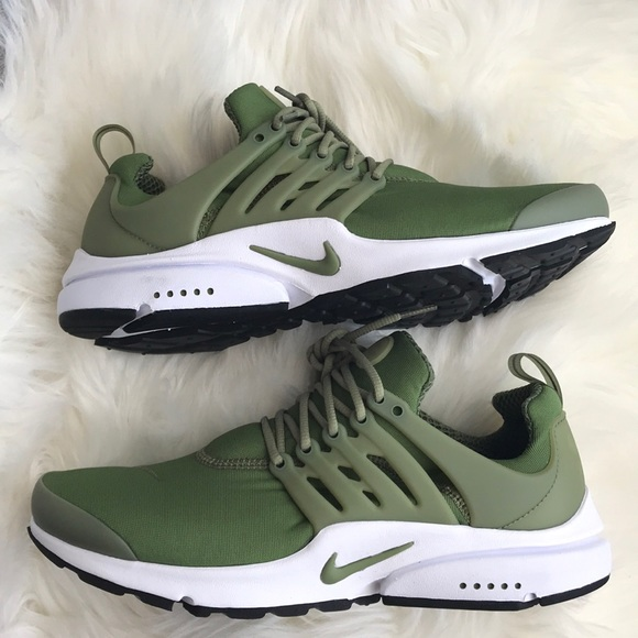 8ff5cb8532c0ef NIKE ID MENS SIZE 11 SHOES GREEN WHITE NEW